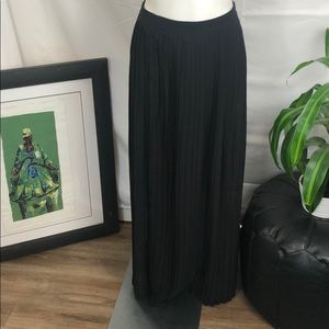 Sabine | Women's Small Black Pleated Maxi Skirt ✨